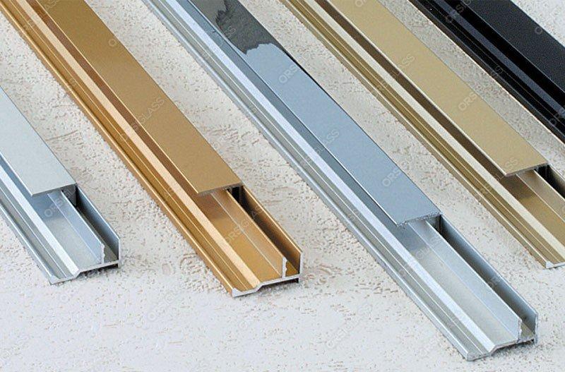 profil clip coulissant pour panneau verre ou miroir clipper diffusion. Black Bedroom Furniture Sets. Home Design Ideas